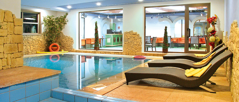 italy_dolomites_campitello_park-hotel-rubino_indoor-pool.jpg
